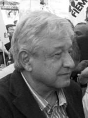 Andrés Manuel López Obredor a su arribo al acto (Foto: aquíEcatepec)