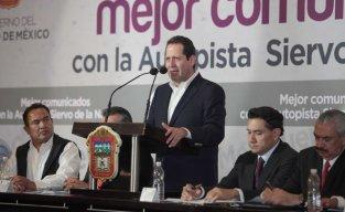 """La nueva autopista """"Siervo de la Nación"""" tendrá una inversión de 4 mil millones de pesos, beneficiará a más de dos millones de automovilistas que transitan diariamente por la localidad."""