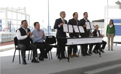 """el gobernador del estado de México, Eruviel Ávila Villegas; el jefe de gobierno del distrito Federal, Miguel Ángel Mancera Espinosa y el director de la Comisión Nacional del Agua (Conagua), David Korenfeld, firmaron el """"Protocolo de operación conjunta"""