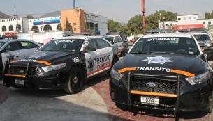 Las oficiales circularán solamente en unidades con la leyenda: Tránsito, a los costados y al frente