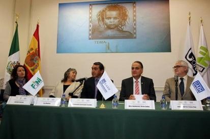 El presidium durante la presentación de la Cuarta Edición del FINI que se desarrollará del 2 al 9 de mayo en las instalaciones de la UAEH en Pachuca y el Mineral del Monte, en el estado de Hidalgo