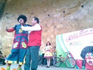 Festeja para 3 mil niños en Tultepec