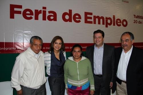 La maestra en derecho Sandra Méndez Hernández, en coordinación con el gobierno del Estado de México y el gobierno Federal, realizaron esta tercera Feria del Empleo en el municipio. Foto: C. S. Tultitlán