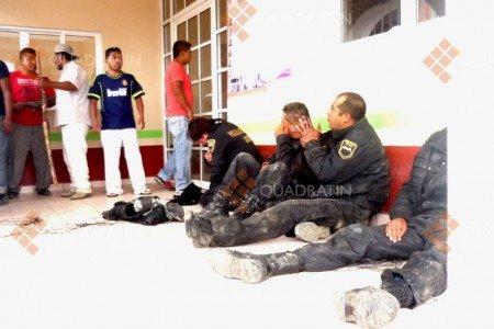 Dos policías muertos, tres lesionados; un civil