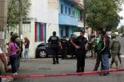 La persecución terminó cuando el vehículo en que huían se impactó contra la barda de un jardín de niños. Foto: Tomado de Reforma