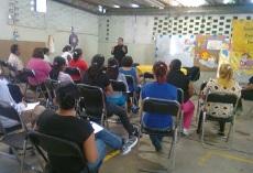 Octavio Martínez indicó que continuará trabajando con el programa de Orientación Psicológica en sus Oficinas de Atención Ciudadana en Ecatepec. Foto: CSFPI