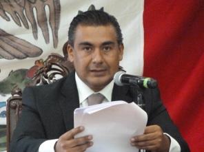 El legislador perredista Octavio Martínez dijo que la fracción del PRD en el gobierno de Ecatepec debe estar pendiente y dar seguimiento a indemnizaciones de los lesionados. Foto: Archivo