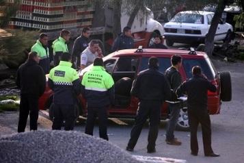 La camioneta Ford EcoSport fue ubicada en  unas canchas de fútbol de tierra ubicadas en la avenida Manuel Ávila Camacho,