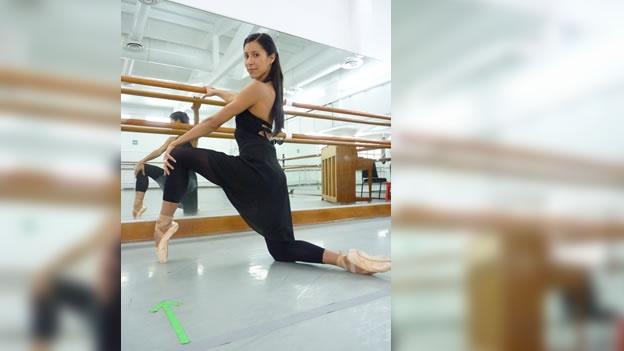 """La bailarina (ballerina) Elisa Carrillo asegura que su presentación en el CCMB es """"una gala que me da mucho gusto y se la voy a presentar a mi gente, a las personas que me vieron crecer ahí desde pequeñita"""". Foto: Tomada de Internet"""