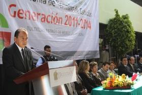 El secretario del ayuntamiento, Higinio Alfredo García Durán, durante su intervención con estudiantes tultitlenses. Foto: C. S. Tultitlán