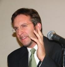 El doctor John M. Ackerman en Casa Lamm. Foto: Archivo