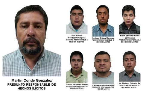 Arriba, a la derecha, el hijo de la directora de la Casa de Cultura de Jaltenco. Foto: Jaltenco: El grito de la gente