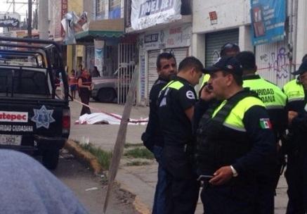 Mueren tres en incidente ocurrido en la Avenida Central. Foto: Twitter