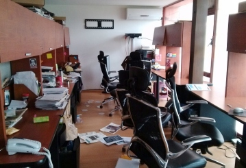 La noche del lunes 23 de junio de 2014 fueron asaltadas las instalaciones de la revista; ya el 5 de agosto de 2007 representantes del Grupo Zeta Gas habían irrumpido en las oficins de Contralínea. Foto: CDP/Contralínea