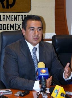 Diputado perredista, Octavio Martínez Vargas. Foto: Archivo