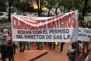 """Habitantes de las colonias afectadas se manifestaron en contra de los """"cilindreros"""". Fotos: Difunet"""
