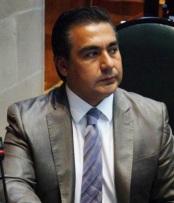 El legislador Octavio Martínez pide al gobierno estatal verificar seguridad del sitio para el baile. Fotos: CSOMP
