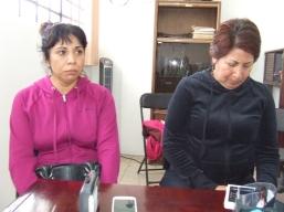 Familiares de las víctimas durante una de susreuniones con la alcaldesa de Texoco Delfina