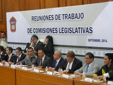 El procurador Alejandro Gómez Sánchez, el diputado Octavio Martínez Vargas y el secretario de Seguridad Ciudadana, Damián Canales Mena