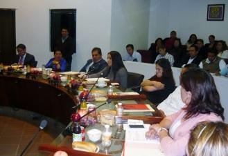 Diana Méndez, al centro,  reconoció el trabajo y la labor de la Contraloría municipal al realizar periódicamente visitas a estas Oficialías, Foto: Mary Santiago