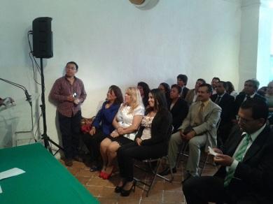 La tercer síndico de Ecatepec, Diana Méndez Aguilar (de negro), durante la entrega de reconocimientos. Foto: CSDMA