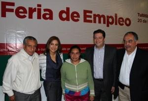 La alcaldesa Sandra Méndez invita a los tultitlenses a asistir a la Feria del empleo; esta es una imagen de la tercera. Foto: Archivo