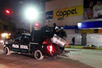 Ya cerca de la medianoche de ayer, sobre la avenida Recursos Hidráulicos. Foto: Tomada de Reforma.com