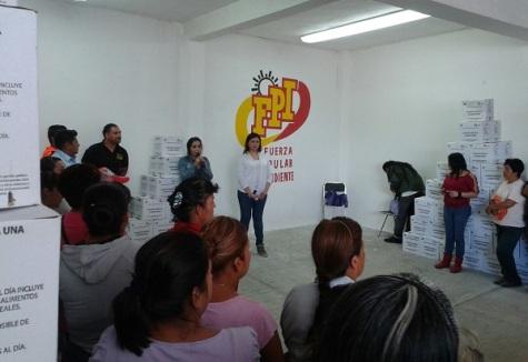 La tercer síndico, Diana Méndez Aguilar, la regidora Susana García Esparza y a la izquierda, uno de los líderes de FPI, Fernando Chaparro. Fotos: CSSGE