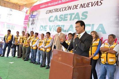 Juan Zepeda dijo que en la primera etapa se utilizarán 8 millones de pesos provenientes del Fefom, y se concluirán las 70 casetas con cerca de 15. Foto: C. S.