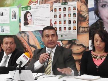 El legislador Octavio Martínez Vargas señaló que de acuerdo a información de la PGJEM del año 2007 a 2014 se han reportado mil 90 mujeres no localizadas, y tan sólo en Ecatepec han desaparecido 60 de ellas. Foto: Jorge Villa