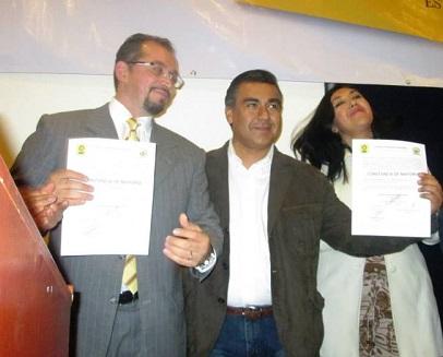 Omar Ortega Álvarez y Octavio Martínez Vargas, presidente y secretario general del Partido de la Revolución Democrática en el Estado de México. Foto: Facebook