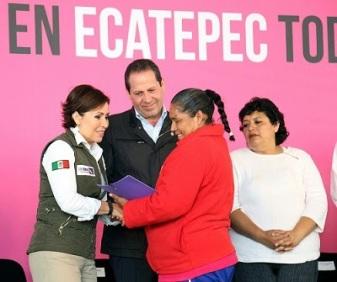 Rosario Robles en Ecatepec. Foto: Archivo