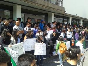 Una de sus peticiones, la segunda, es el alumbrado público. Foto: Jorge Villa