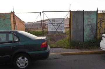 Este es el acceso al predio, sin número, sobre la calle Emiliano Zapata. Foto:Especial