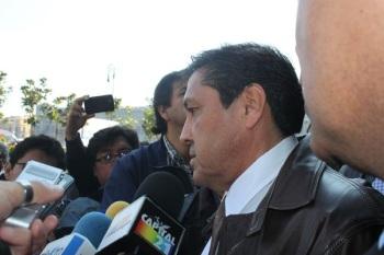 Rubén Alcántara denunció las detenciones arbitrarias por parte de la SSP-DF y la PGJDF a taxis con falta de placas porque les fueron robadas y culpa de ello a la SEMOVI