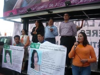 La síndico de Ecatepec, Diana Méndez Aguilar y la regidora Susana García Esparza, entre las presentes