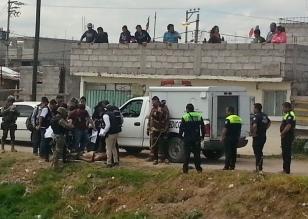 Al lugar arribaron elementos de la policía municipal, estatal, además de personal de Protección Civil y bomberos. Foto: B. Peñaloza