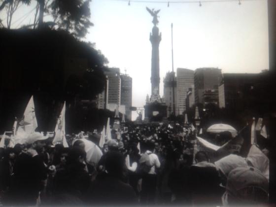 Marcha por Ayotzinapa. Foto: Twitter