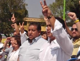 Los diputados federal, Javier Salinas Narváez y local, Octavio Martínez Vargas. Foto: Jorge Villa