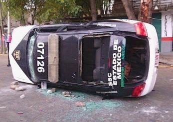 Los hechos se dieron en la calle Circunvalación, en las inmediaciones del deportivo Alfredo del Mazo. Foto: Twitter/afondoedomex.com