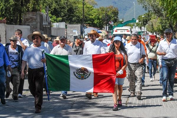La marcha arrancó al filo de las 10 de la mañana de la ciudad de Iguala, sitio en que los muchachos fueron víctimas de desaparición forzada el 26 de septiembre pasado, suceso ya que ha generado varias protestas y reclamos dentro de la sociedad mexicana y en el ámbito internacional