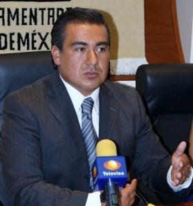 El diputado Octavio Martínez advierte que se debe empezar por investigar la corrupción en los altos mandos de las policías o fuerzas castrenses. Foto: Archivo