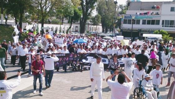 Arribo del contingente a la explanada municipal. Foto: Jorge Villa