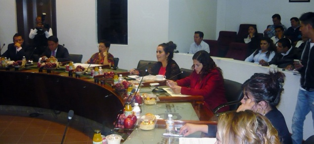 Diana Méndez (c) destacó que muchos pequeños no tienen acceso a los servicios del Teletón y mucho menos cuentan con una sillas de ruedas que les permita trasladarse. Foto: CSDMA