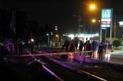 Un par de sujetos yacían tendidos sobre las vías a la altura  de la colonia Ciudad Lago. Foto: Tomada de Reforma