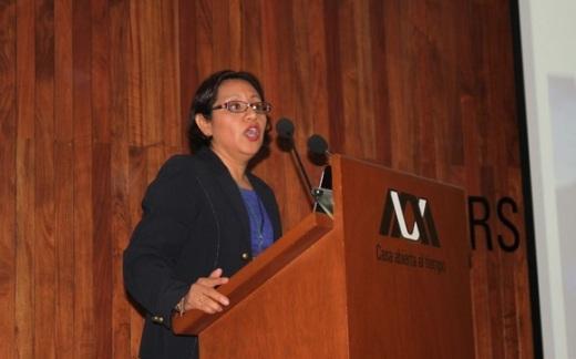 La doctora Lucía Guadalupe Matías Ramírez reveló que México tienen el primer lugar de muerte por caídas de rayos durante una tormenta eléctrica, debido a la falta de información. Foto: Difunet