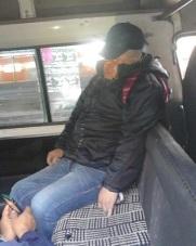 El asaltante quedó muerto mientras el pasajero huyó. Foto: Internet