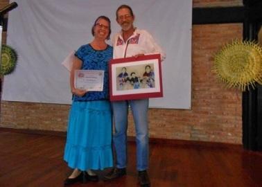 La poeta y artista gráfica Gwenn Aëlle y su esposo
