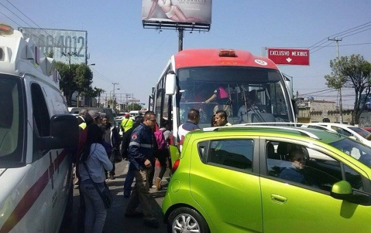 El accidente ocurrió sobre la Vía López Portillo, alrededor de las 13:00 horas. Foto: @alerta_ecatepec