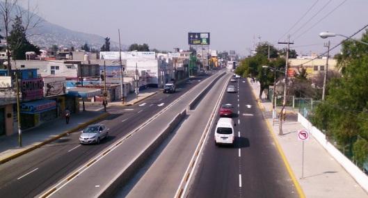 La obra del Mexibus de la Línea 2 de Las Américas en Ecatepec a Lechería en Tultitlán, debería haberse terminado en marzo pasado según el gobierno mexiquense. Foto: Jorge Villa